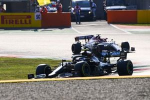 Valtteri Bottas, Mercedes F1 W11, Kimi Raikkonen, Alfa Romeo Racing C39