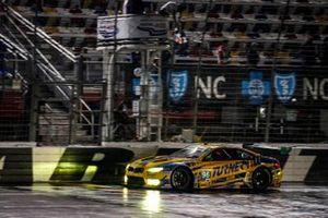 #96 Turner Motorsport BMW M6 GT3, GTD: Robby Foley III, Bill Auberlen, checkered flag, win