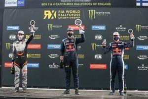 Podio: El ganador de la carrera Johan Kristoffersson, Kristoffersson Motorsport, segundo lugar Juha Rytkönen, GRX Set, tercer lugar Timmy Hansen, Team Hansen