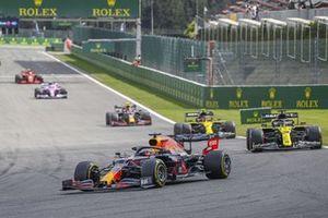 Max Verstappen, Red Bull Racing RB16, Daniel Ricciardo, Renault F1 Team R.S.20, Esteban Ocon, Renault F1 Team R.S.20, Alex Albon, Red Bull Racing RB16