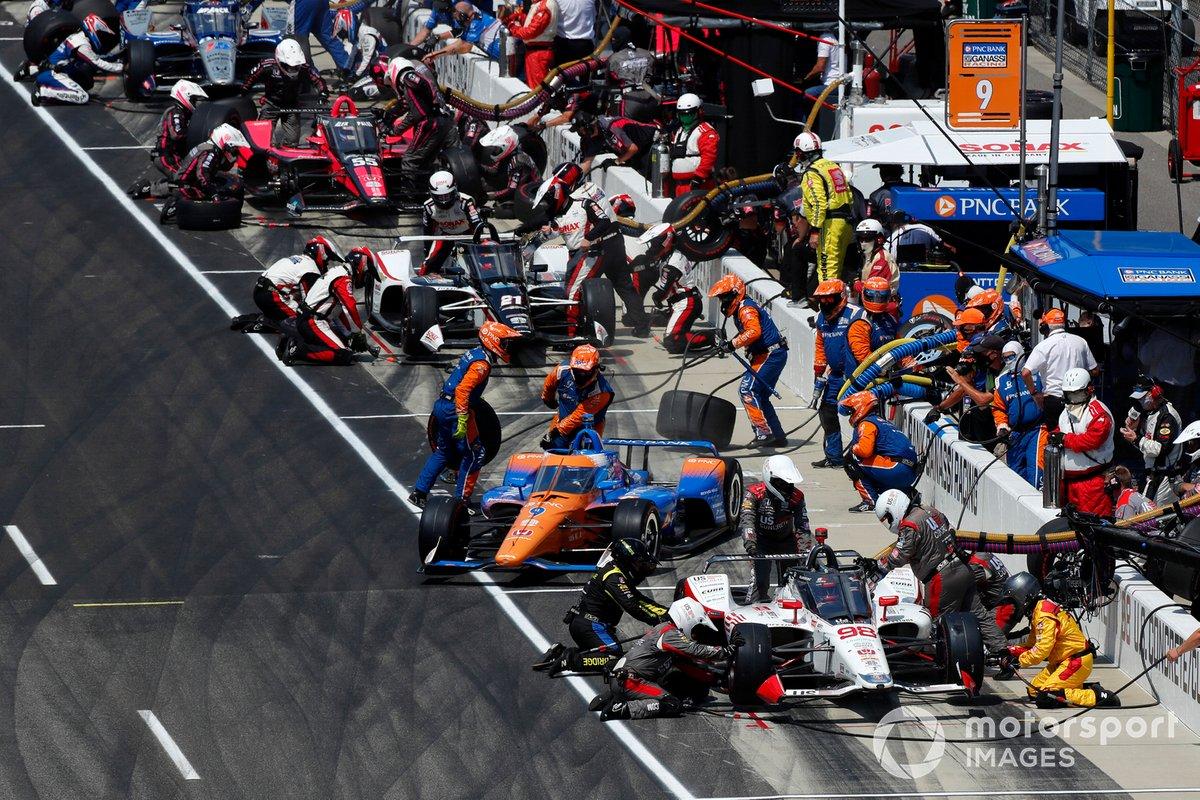 Scott Dixon, Chip Ganassi Racing Honda, Marco Andretti, Andretti Herta Marco & Curb-Agajanian Honda hace su parada