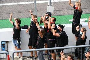Un applauso per i vincitori del podio