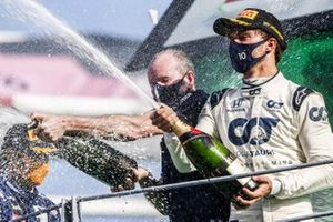 Pierre Gasly, AlphaTauri, 1st position, sprays champagne