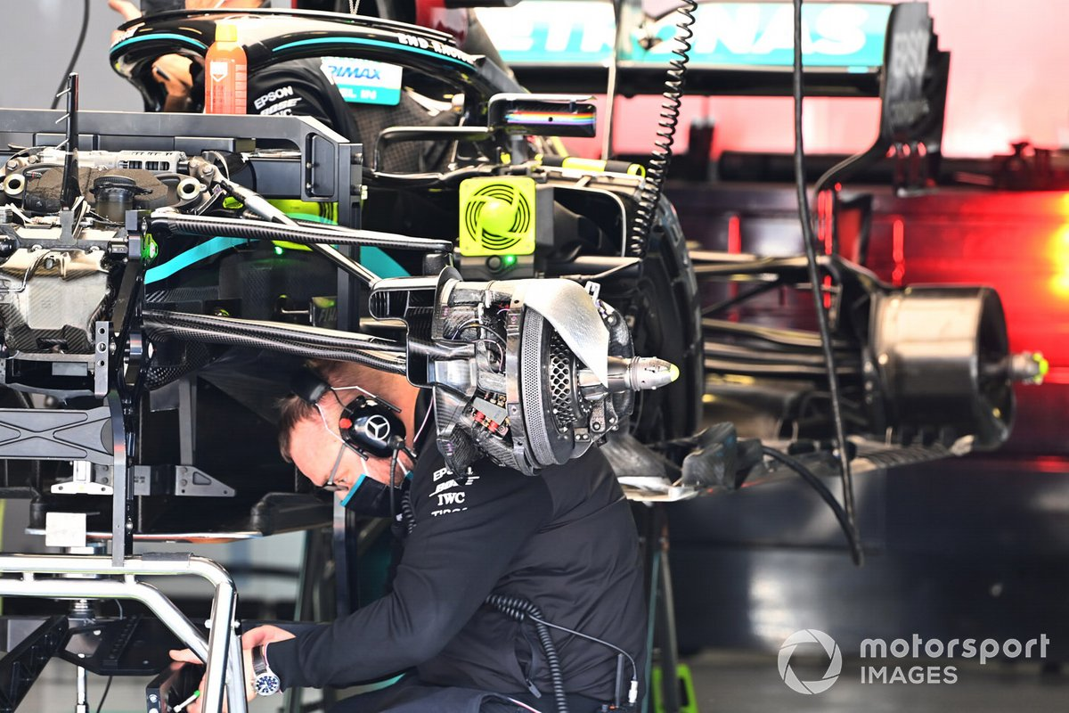 Mercedes F1 W11 technical detail