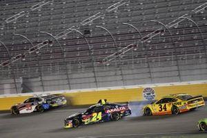 Crash: William Byron, Hendrick Motorsports, Chevrolet Camaro Axalta, Christopher Bell, Leavine Family Racing, Toyota Camry Rheem/Watts