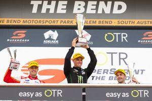 Podyum: Yarış galibi Cameron Waters, Tickford Racing Ford, 2. Scott McLaughlin, DJR Team Penske Ford, 3. Jamie Whincup, Triple Eight Race Engineering Holden