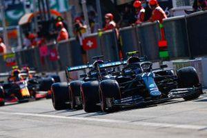 Valtteri Bottas, Mercedes F1 W11, Lewis Hamilton, Mercedes F1 W11, and Alex Albon, Red Bull Racing RB16