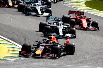 Max Verstappen, Red Bull Racing RB15, Lewis Hamilton, Mercedes AMG F1 W10, Sebastian Vettel, Ferrari SF90, Valtteri Bottas, Mercedes AMG W10