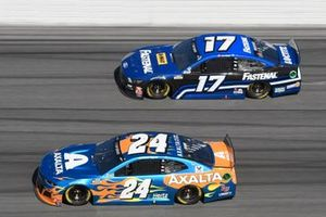 William Byron, Hendrick Motorsports, Chevrolet Camaro Axalta 'Color of the Year', Chris Buescher, Roush Fenway Racing, Ford Mustang Fastenal