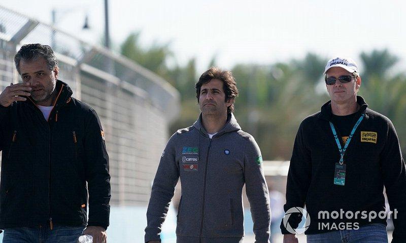Sérgio Jimenez, ZEG iCarros Jaguar Brazil, Mário Haberfeld, ZEG iCarros Jaguar Brazil on the track walk