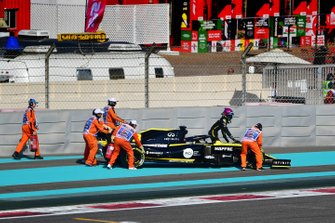 Daniel Ricciardo, Renault F1 Team R.S.19, fermo in pista