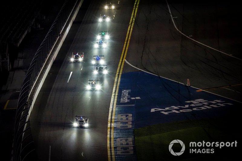 Gara di notte, #77 Mazda Team Joest Mazda DPi, DPi: Oliver Jarvis, Tristan Nunez, Olivier Pla, restart