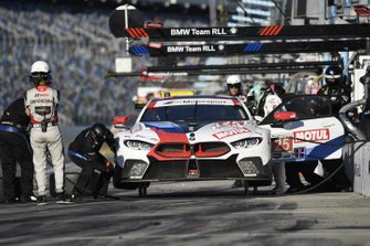 #25 BMW Team RLL BMW M8 GTE, GTLM: Connor De Phillippi, Philipp Eng, Bruno Spengler, Colton Herta - pit stop