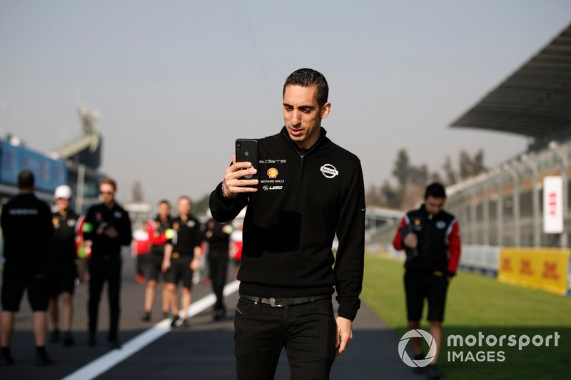 Sébastien Buemi, Nissan e.Dams walks the track