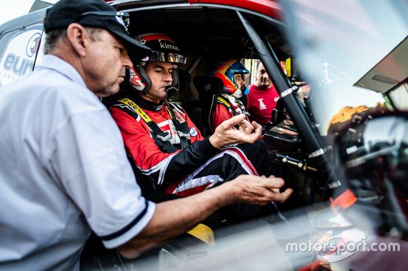 Toyota Gazoo Racing Toyota Hilux: Fernando Alonso, Marc Coma