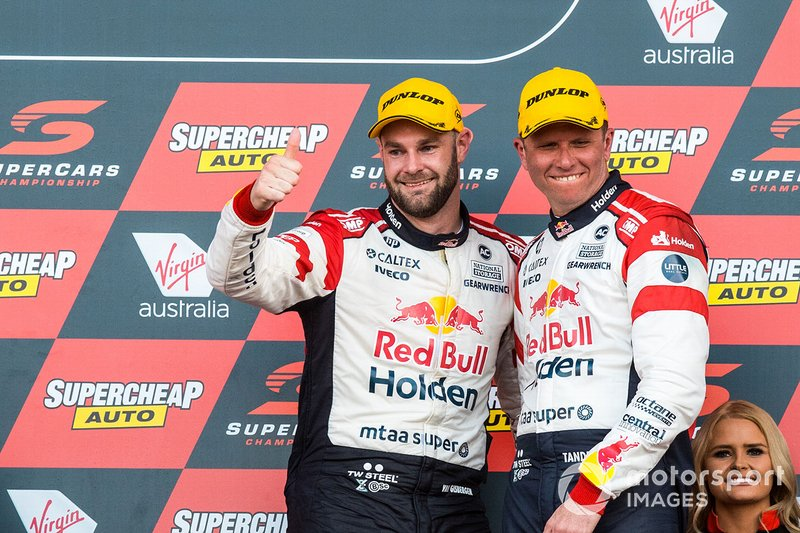 Podium: second place Shane Van Gisbergen, Garth Tander, Triple Eight Race Engineering