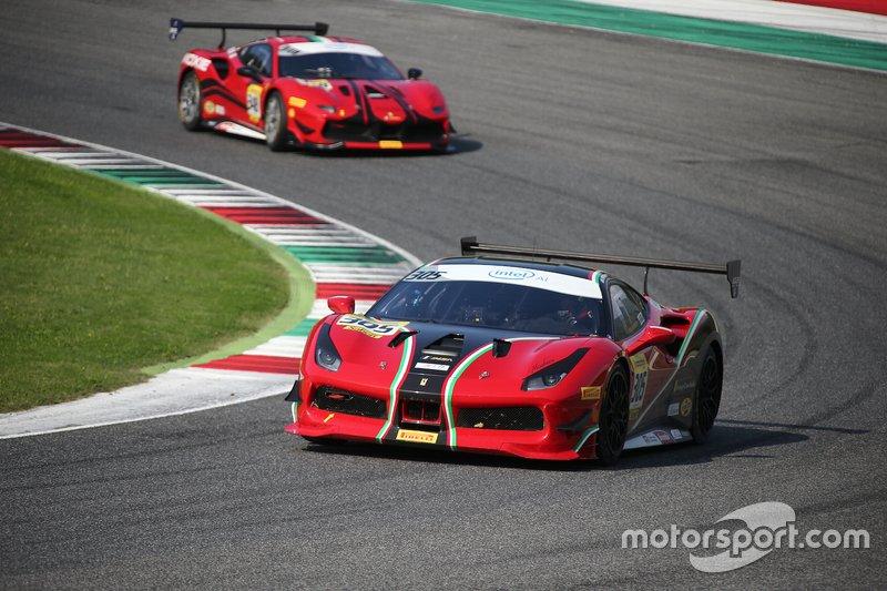 #305 Ferrari 488 Challenge, Foreign Cars Italia: Brad Horstmann