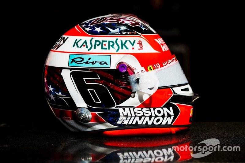 El casco de Charles Leclerc, Ferrari, para el GP de Estados Unidos y el GP de Brasil