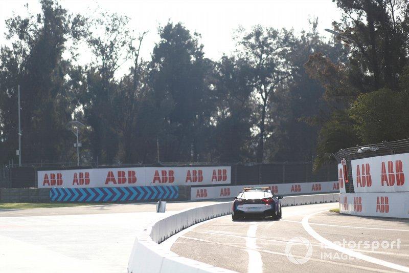 El BMW i8 Safety sale a la pista