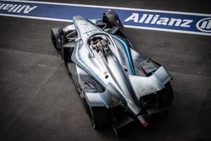 Stoffel Vandoorne, Mercedes Benz EQ, EQ Silver Arrow 01 sort de la voie des stands