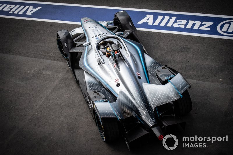 Stoffel Vandoorne, Mercedes Benz EQ, EQ Silver Arrow 01, esce dalla pit lane