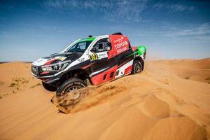 Yazeed Al-Rajhi, Michael Orr, Toyota Hilux