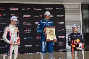 Podium course 3, Gregoire Saucy, Giles Motorsport ; Igor Fraga, M2 Competition ; Yuki Tsunoda, M2 Competition