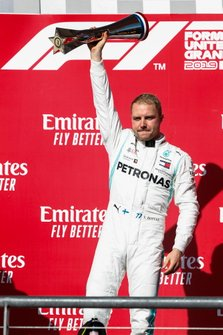 Valtteri Bottas, Mercedes AMG F1, 1st position, celebrates with his trophy