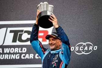 Подиум: обладатель третьего места Габриэле Тарквини, BRC Hyundai N Squadra Corse