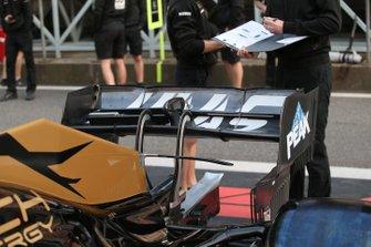 Haas F1 Team VF-19 detalle del alerón trasero