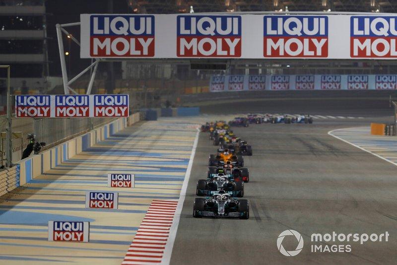 Льюіс Хемілтон, Mercedes AMG F1 W10, попереду суперників