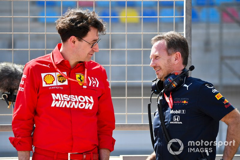 Mattia Binotto, Team Principal Ferrari, con Christian Horner, Team Principal, Red Bull Racing