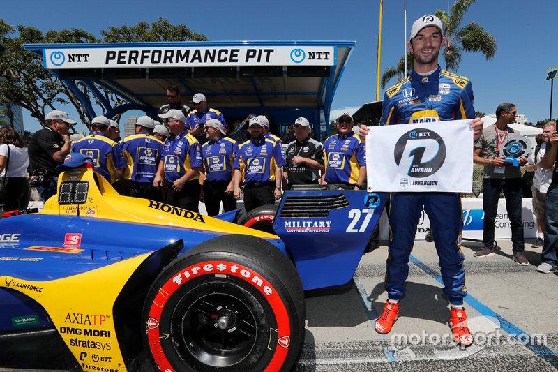 Il vincitore del Pole Award Alexander Rossi, Andretti Autosport Honda