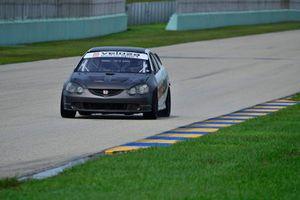 #178 MP3B Honda Civic driven by Ariel Castro of Veloza Motorsport