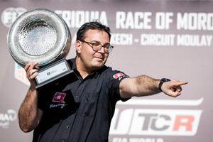 Podium: Dominik Greiner Team manager ALL-INKL.COM Münnich Motorsport