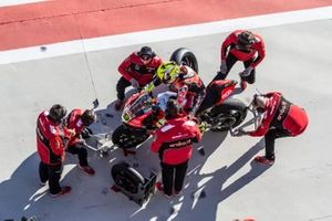 Alvaro Bautista, Aruba.it Racing-Ducati Team wheel change