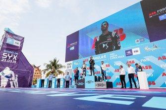 Jean-Eric Vergne, DS TECHEETAH, ganador, Oliver Rowland, Nissan e.Dams, segundo y Antonio Felix da Costa, BMW I Andretti Motorsports, tercero