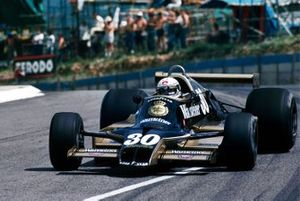 Jochen Mass, Arrows A1B