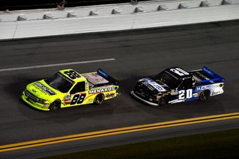 Matt Crafton, ThorSport Racing, Ford F-150 and Spencer Boyd, Young's Motorsports, Chevrolet Silverado 1A Auto