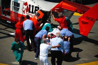 رولاند راتزنبرغر في الحوامة الطبية بعد حادثة مميتة
