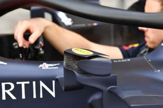 Un rétroviseur de la Red Bull Racing RB15