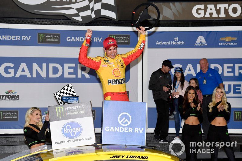 Winner Joey Logano, Team Penske, Ford Mustang Shell Pennzoil