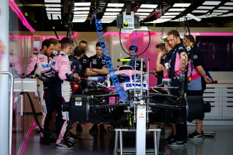 La Racing Point RP19 dans le garage