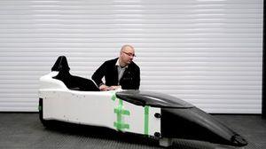 Dieter Vanswijgenhoven, Technical Director ERA Championship met een Dome F110 chassis