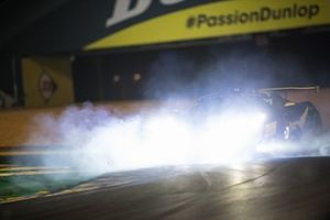 #60 Iron Lynx Ferrari 488 GTE EVO LMGTE Am, Claudio Schiavoni, Paolo Ruberti, Raffaele Giammaria, crash