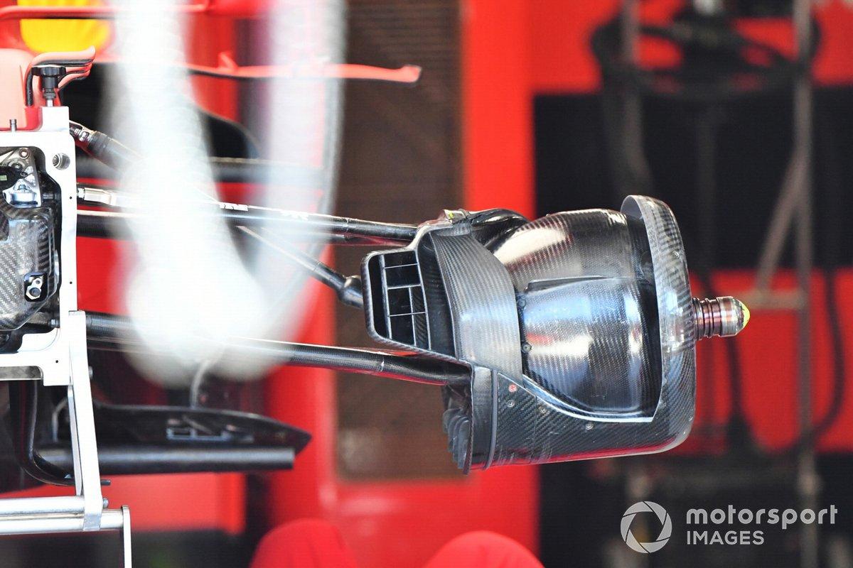 Detalle del freno delantero del Ferrari SF21