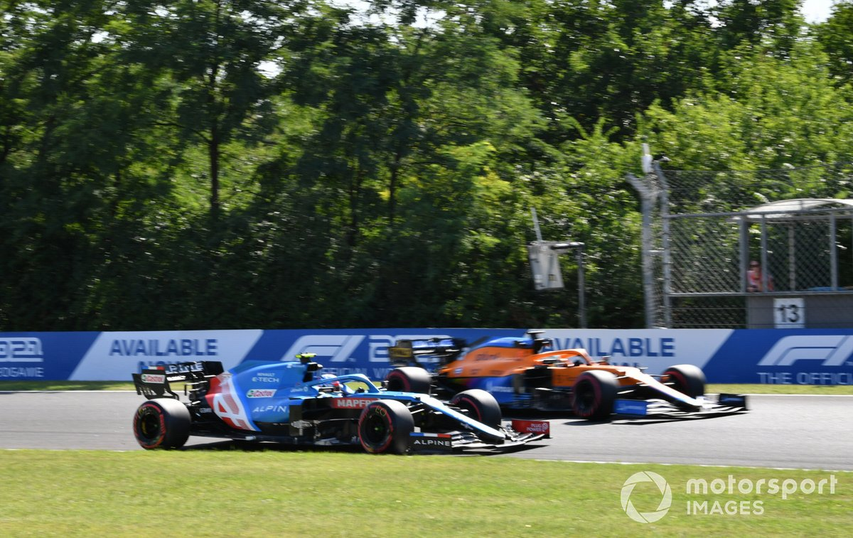 Esteban Ocon, Alpine A521, Daniel Ricciardo, McLaren MCL35M