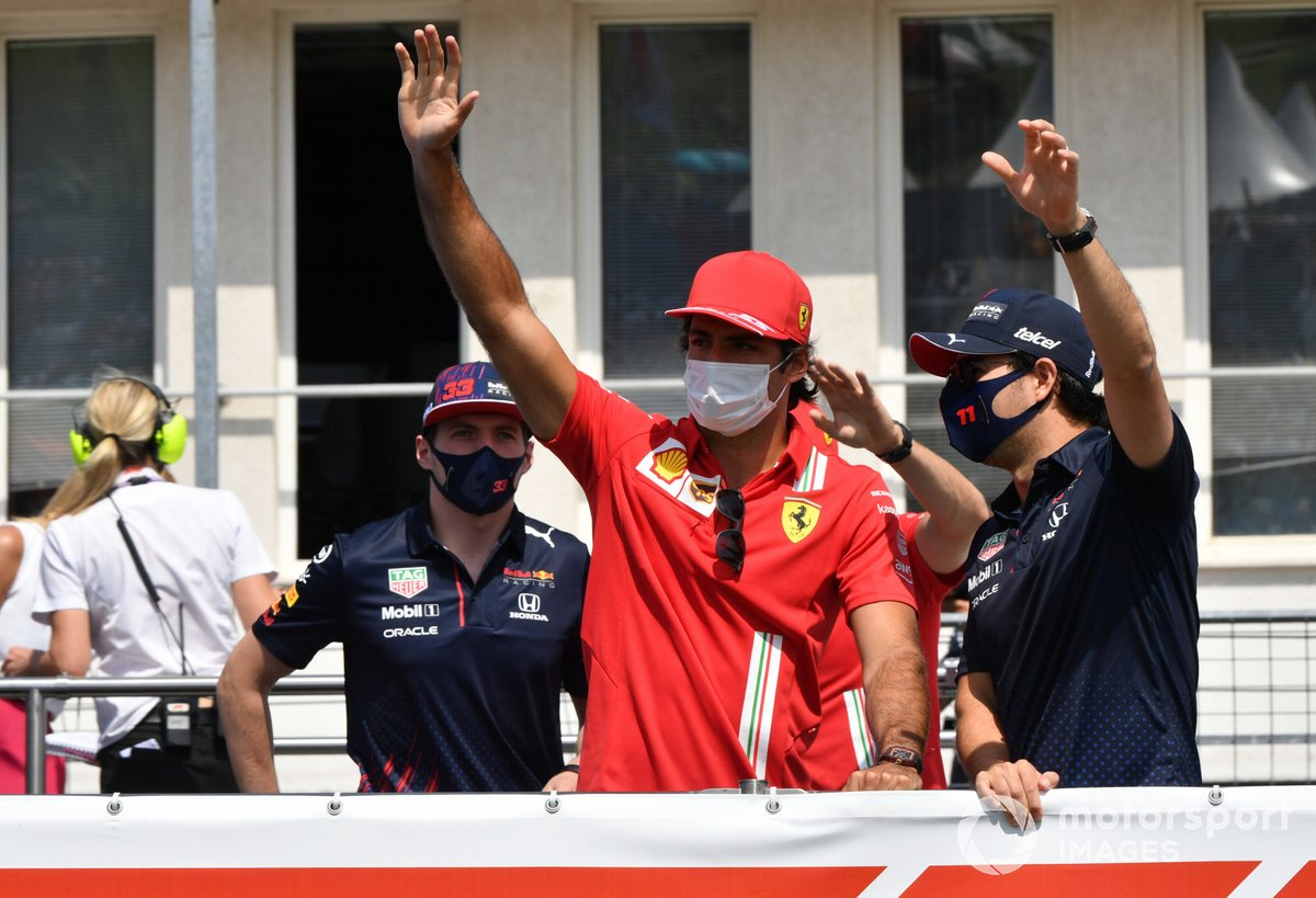 Max Verstappen, Red Bull Racing, Carlos Sainz Jr., Ferrari, Sergio Pérez, Red Bull Racing in the drivers' parade