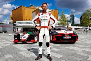 René Rast, Audi Sport ABT Schaeffler, Audi e-tron FE07 conduce por las calles de Berlín