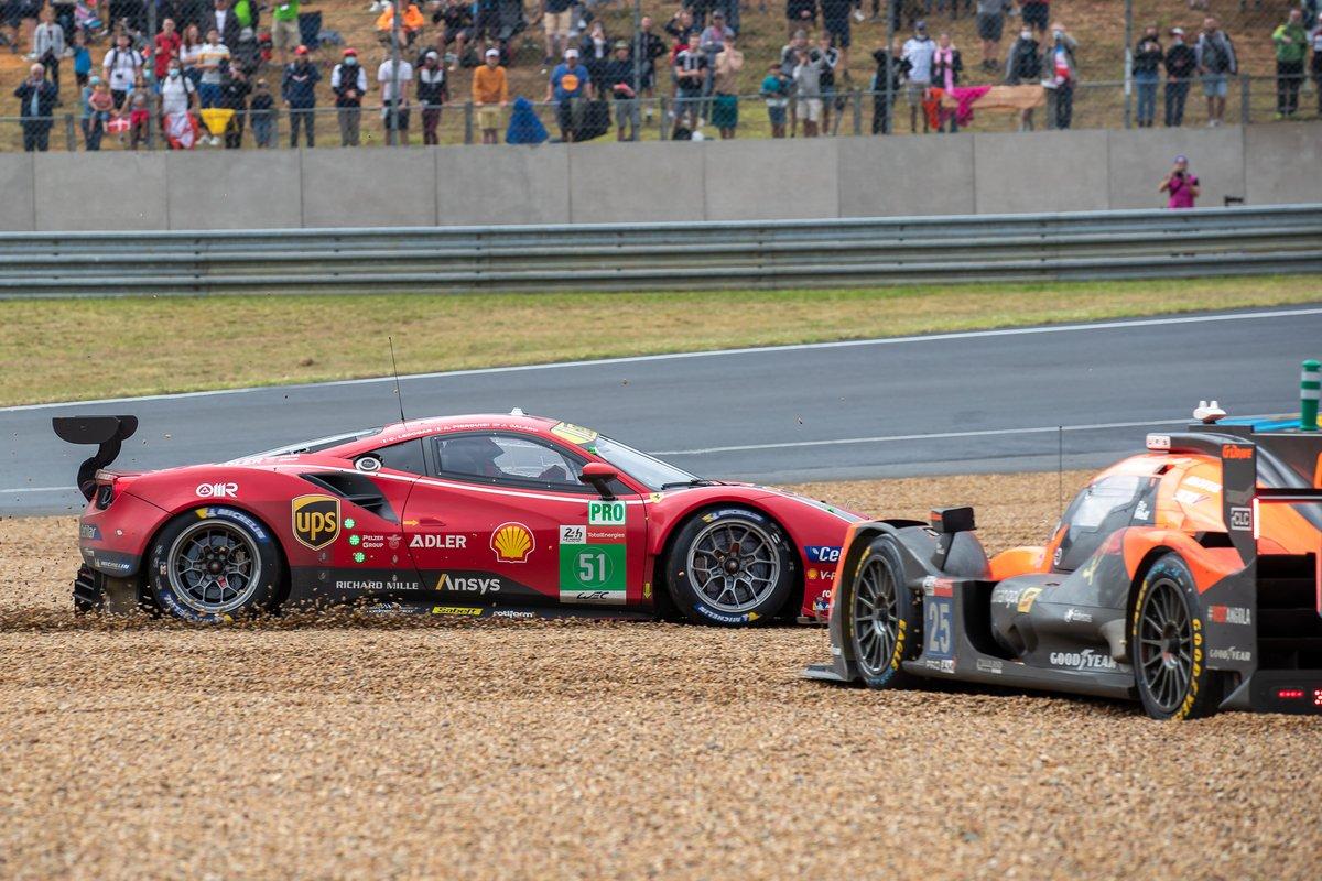 Choque del #51 AF Corse Ferrari 488 GTE EVO LMGTE Pro, Alessandro Pier Guidi, James Calado, Come Ledogar